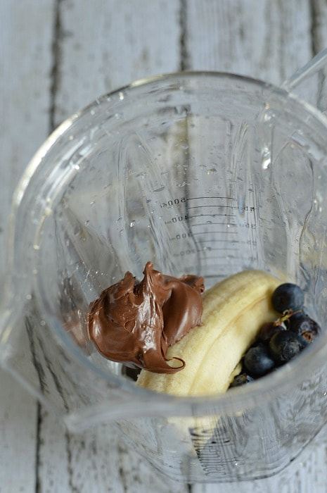 Blueberry banana nutella smoothie ingredients for a delicious smoothie