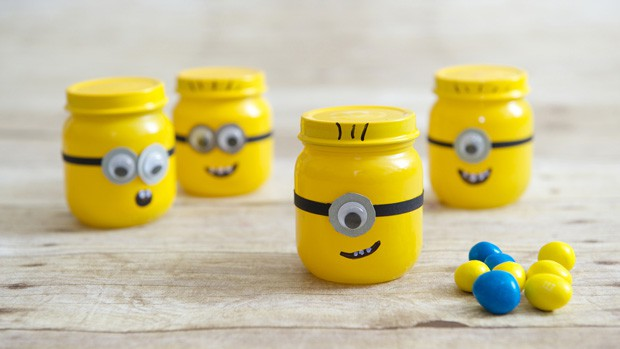 despicable-me-minion-baby-food-jar-party-favors
