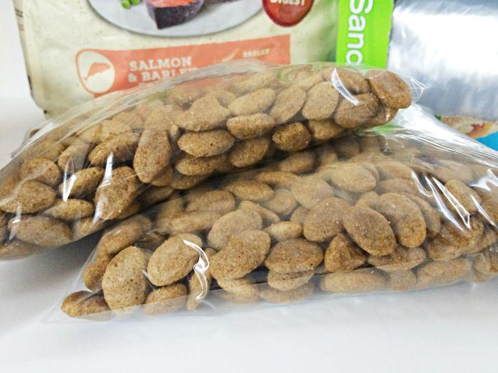 Bring your dog food in ziploc baggies for easy measuring