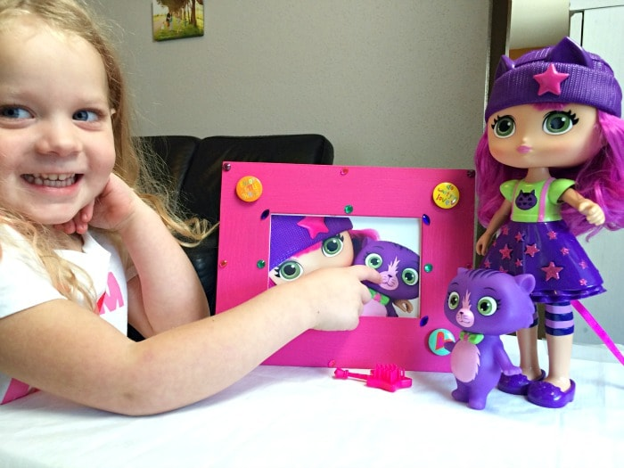 DIY Picture Frame craft for little girls