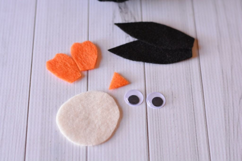 Felt shapes for penguin