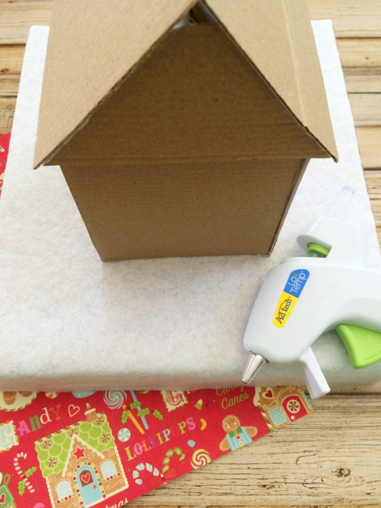 Building your cardboard gingerbread house