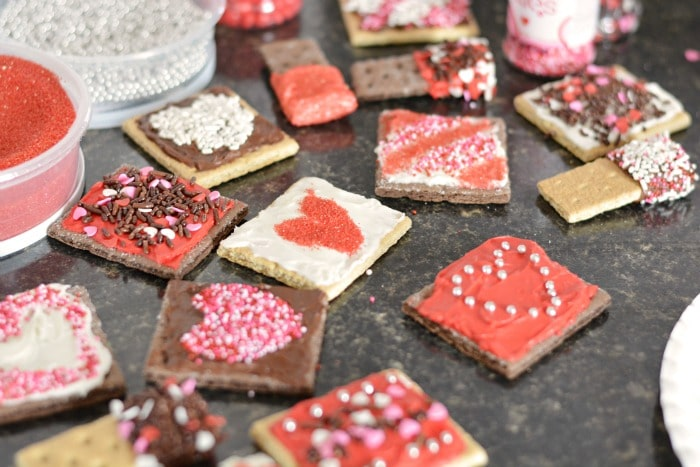 Graham Cracker Valentine Treats