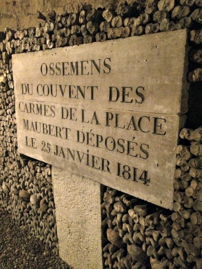 sign in catacombs