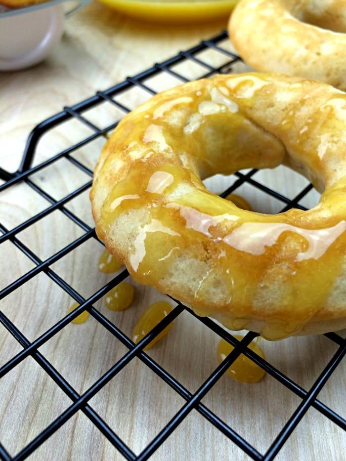 Baked Peach Donuts with Peach Glaze